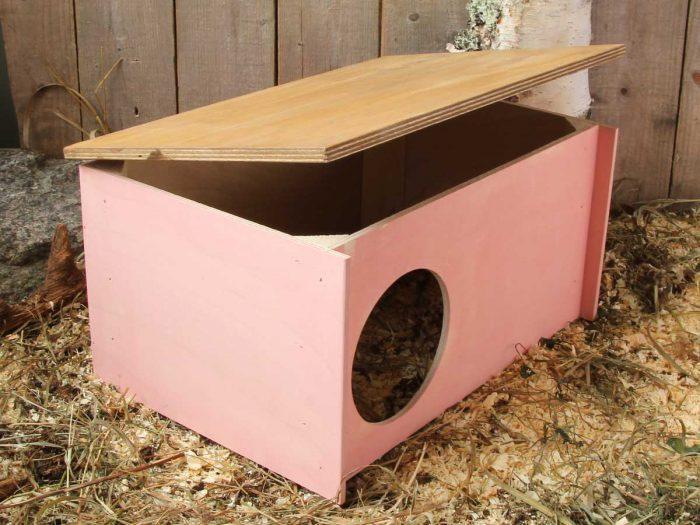 Pienen kanin pesämökki, jossa on avattava katto. Sopii myös poikimispesäksi.